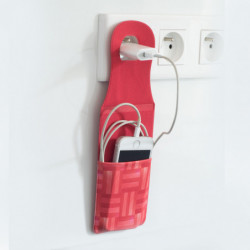 SMARTPHONE SLEEVE TO SUSPEND